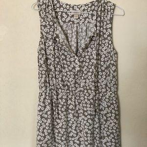 Woman's sleeveless loft blouse